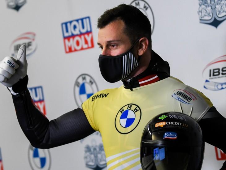 Martins atkal uzvar Siguldā, Tomass ceturtais